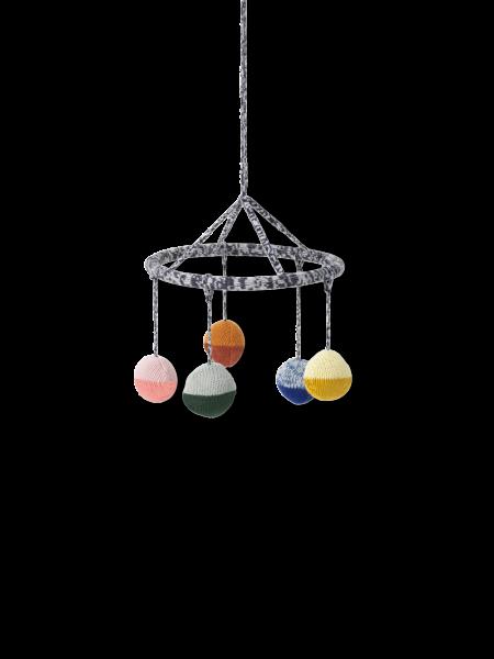Gestricktes Kugel Mobile, Ball Knitted Hanging Mobile