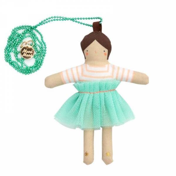Kette mit Puppe